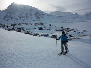 Skinning above Kuummiit