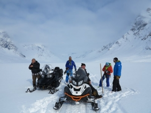 Skidoo ride to Tasiilaq Hut