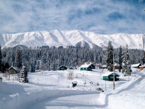 Gulmarg from town